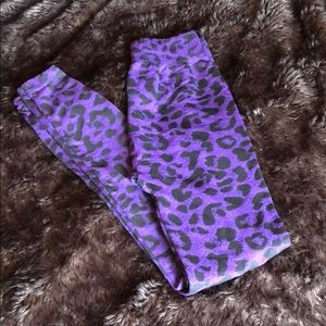 Purple & Black Cheetah Leggings! 💜🖤